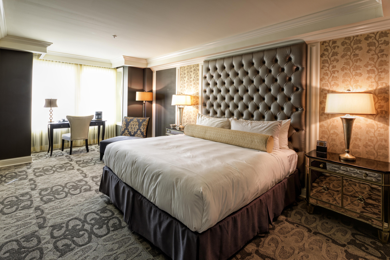 Hotel Ballard Guest Room